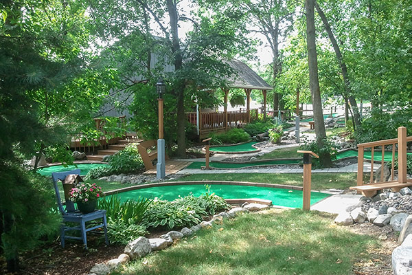 tom-jerrys-mini-golf-shady-trails-1