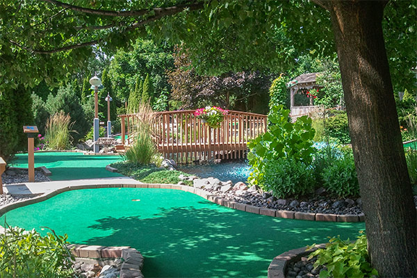 tom-jerrys-mini-golf-stoney-creek-5